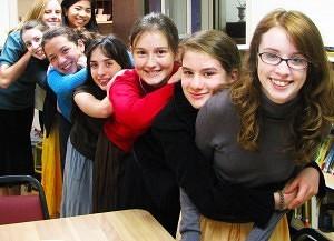 Decor Carmeli Highschool Girls