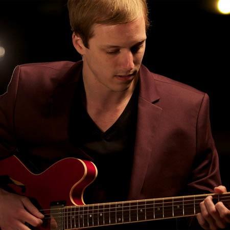 John MacLennan | Guitarist